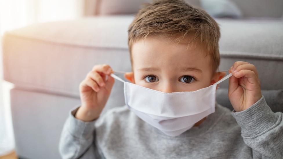چرا بیماری کووید-۱۹ در کودکان خفیفتر از بزرگسالان میباشد؟